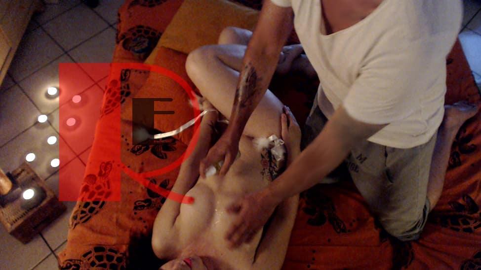 Massaggio Yoni